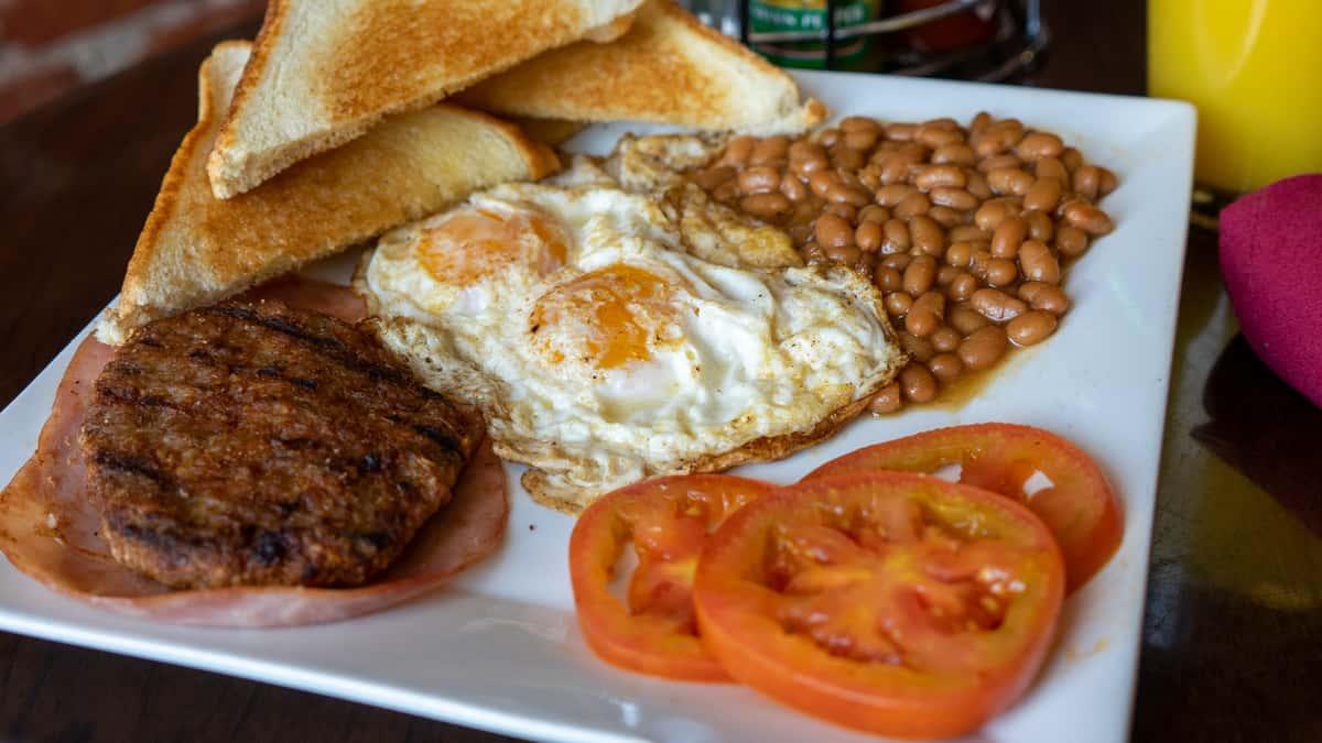 Traditional English Breakfast*
