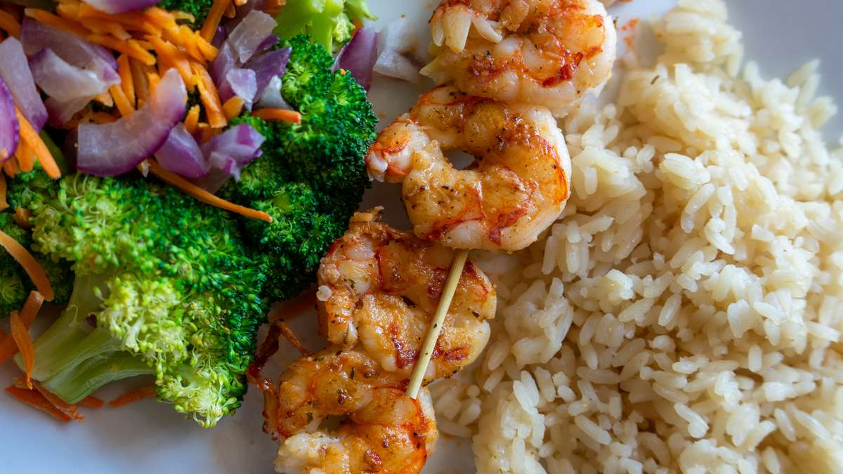 grilled shrimp with rice and veggies