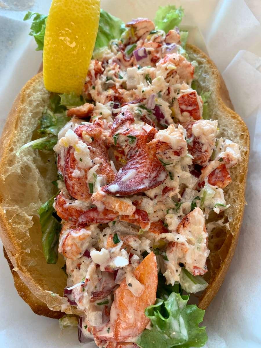 Jumbo 6oz Lobster Salad Roll