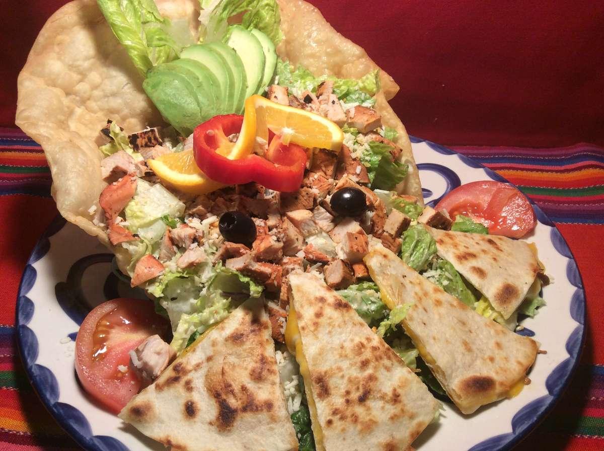 Grilled Chicken & Avocado Salad