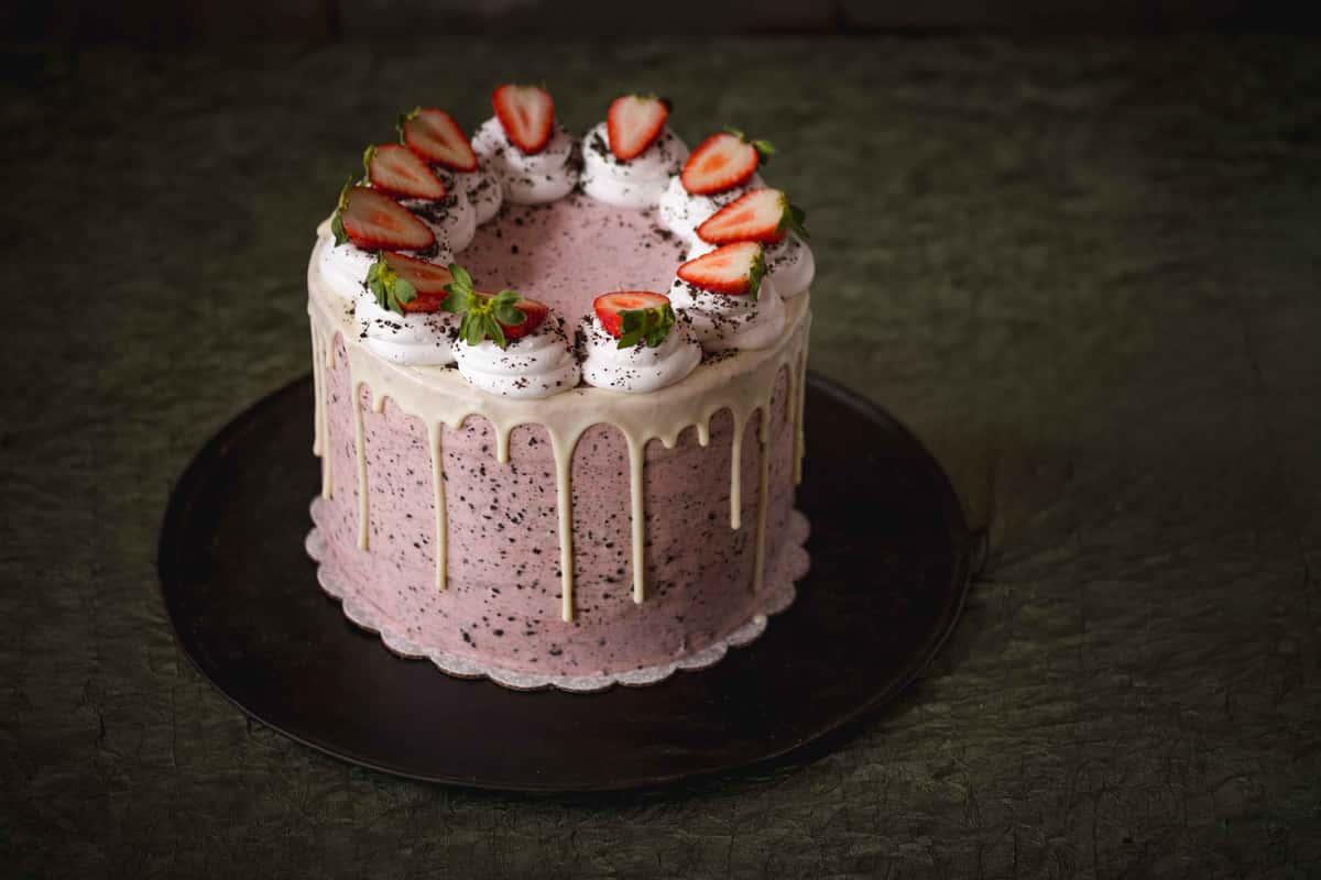 Strawberries 'n Cream Cake