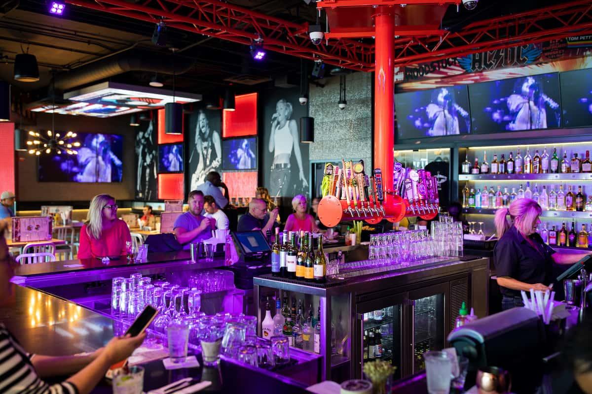 Ontario - Bar