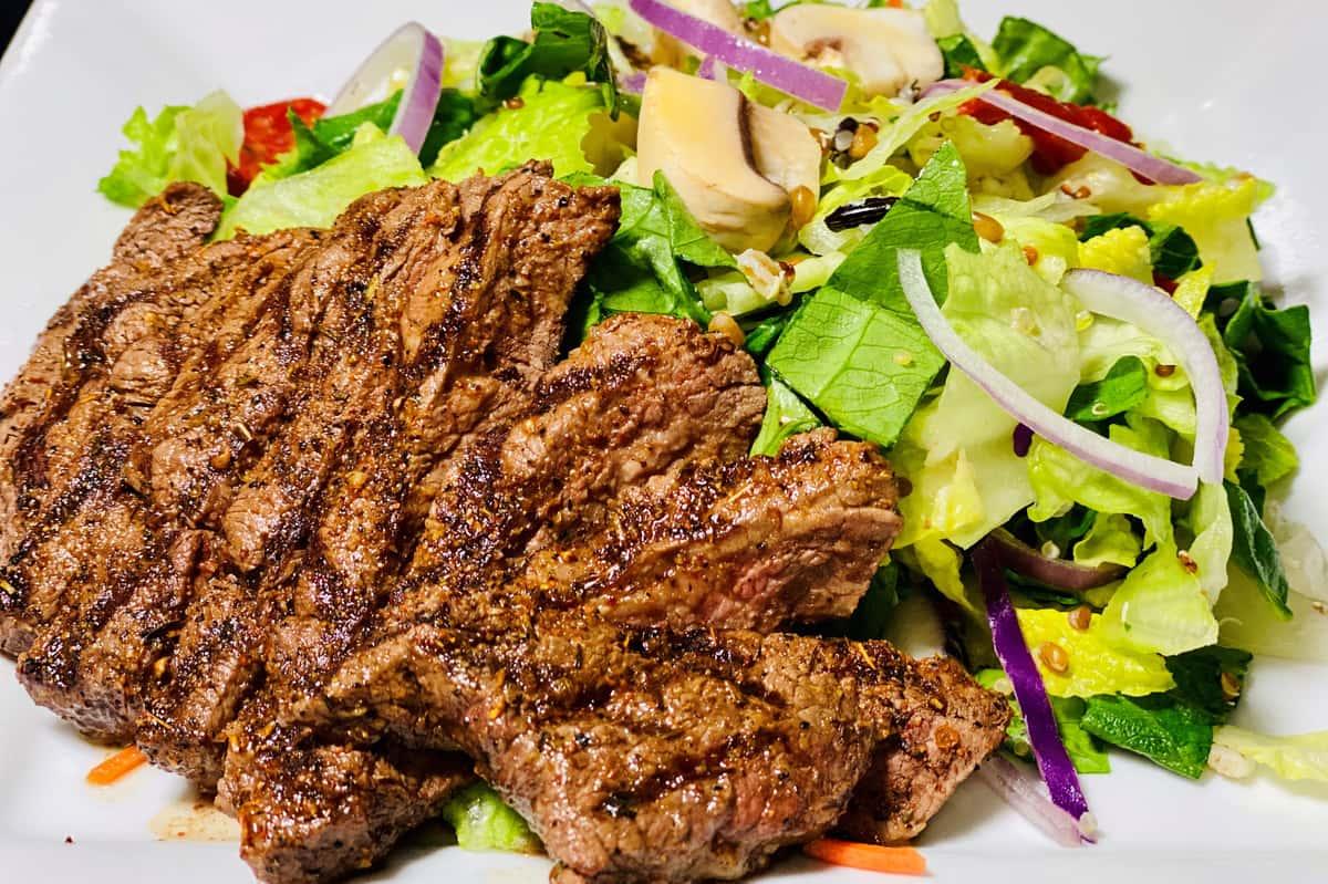 Seared Steak Medallion Salad