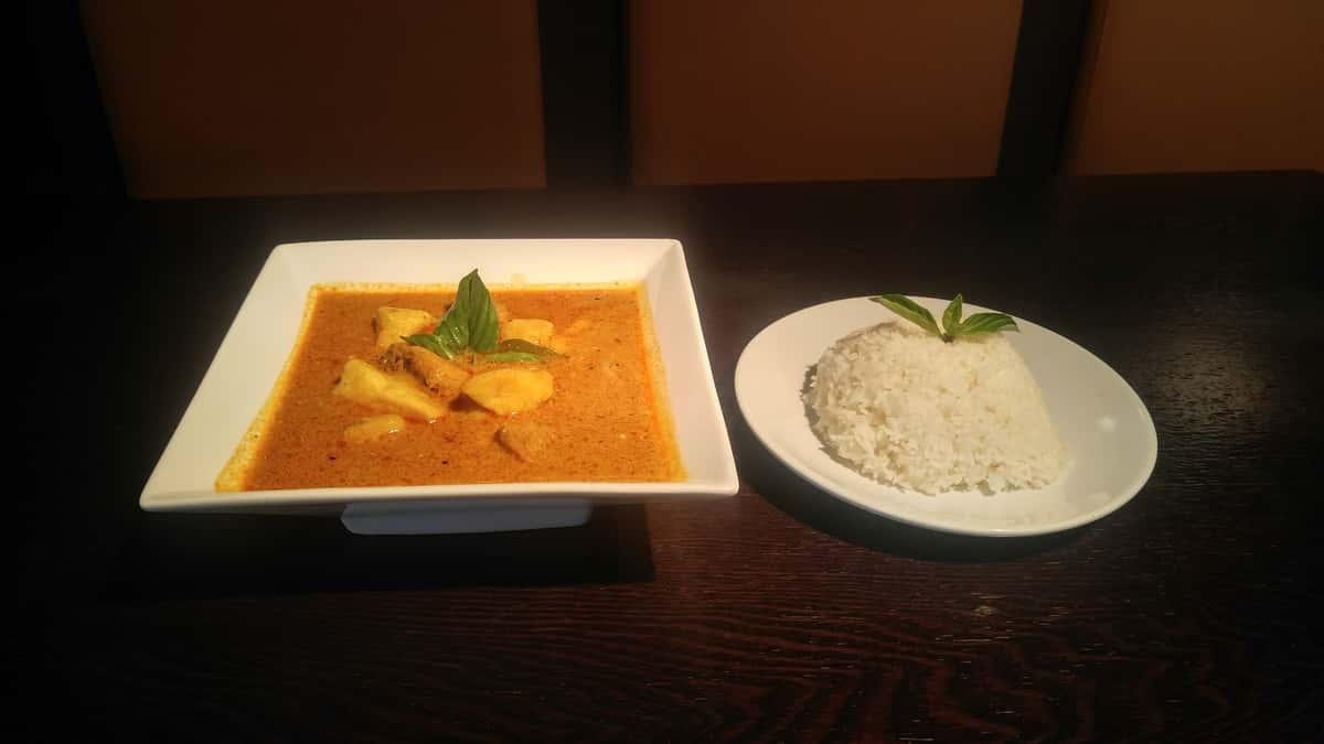 Mama's Chicken Yellow Curry