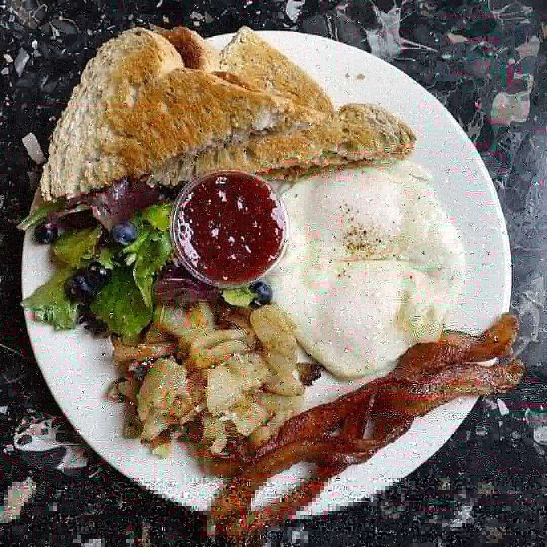 American Breakfast*