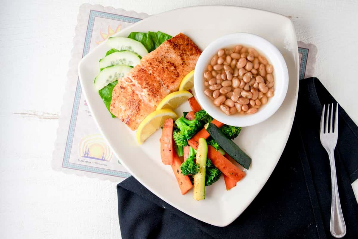 Citrus Pepper Salmon (Mariscos)