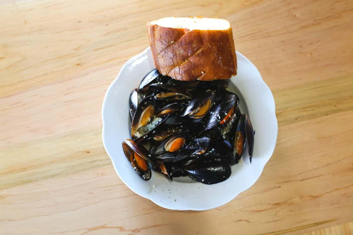 Mussels In Garlic Sauce