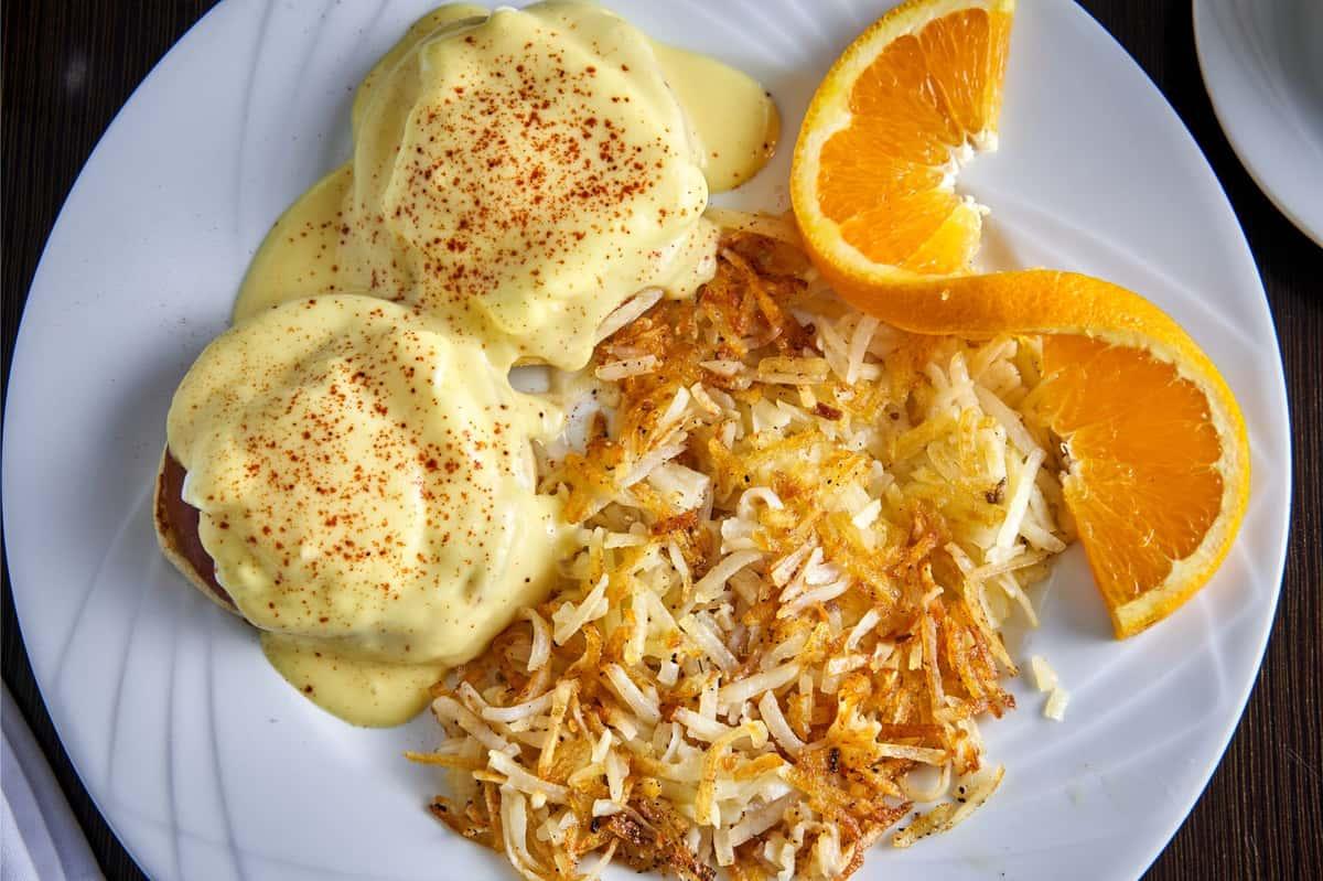 Eggs Benedicts*