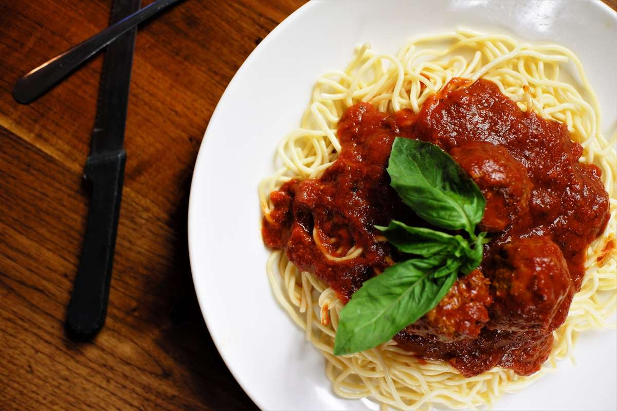 Spaghetti W/Meatball
