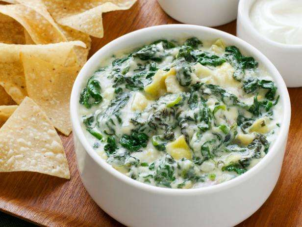 Spinach-Artichoke Dip & chips