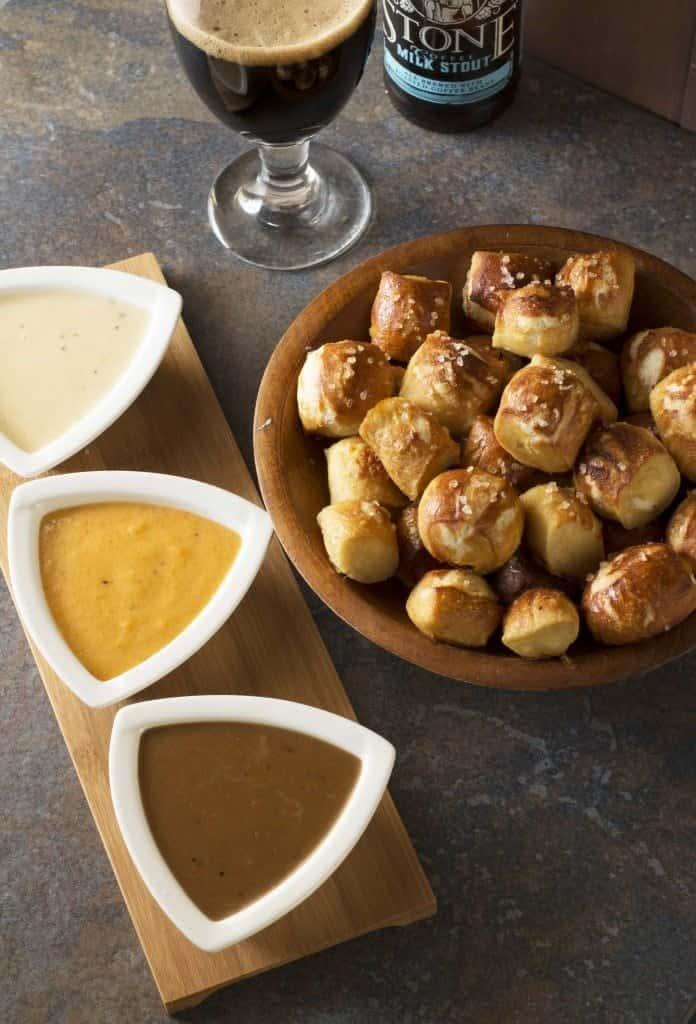 Vegan Pretzels & Hummus