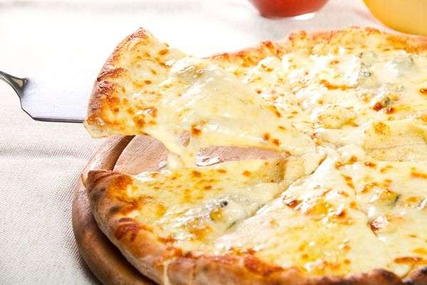 Mac On Cheese-Pizza
