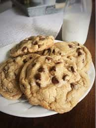 Jumbo-Chocolate—Chip-Cookie