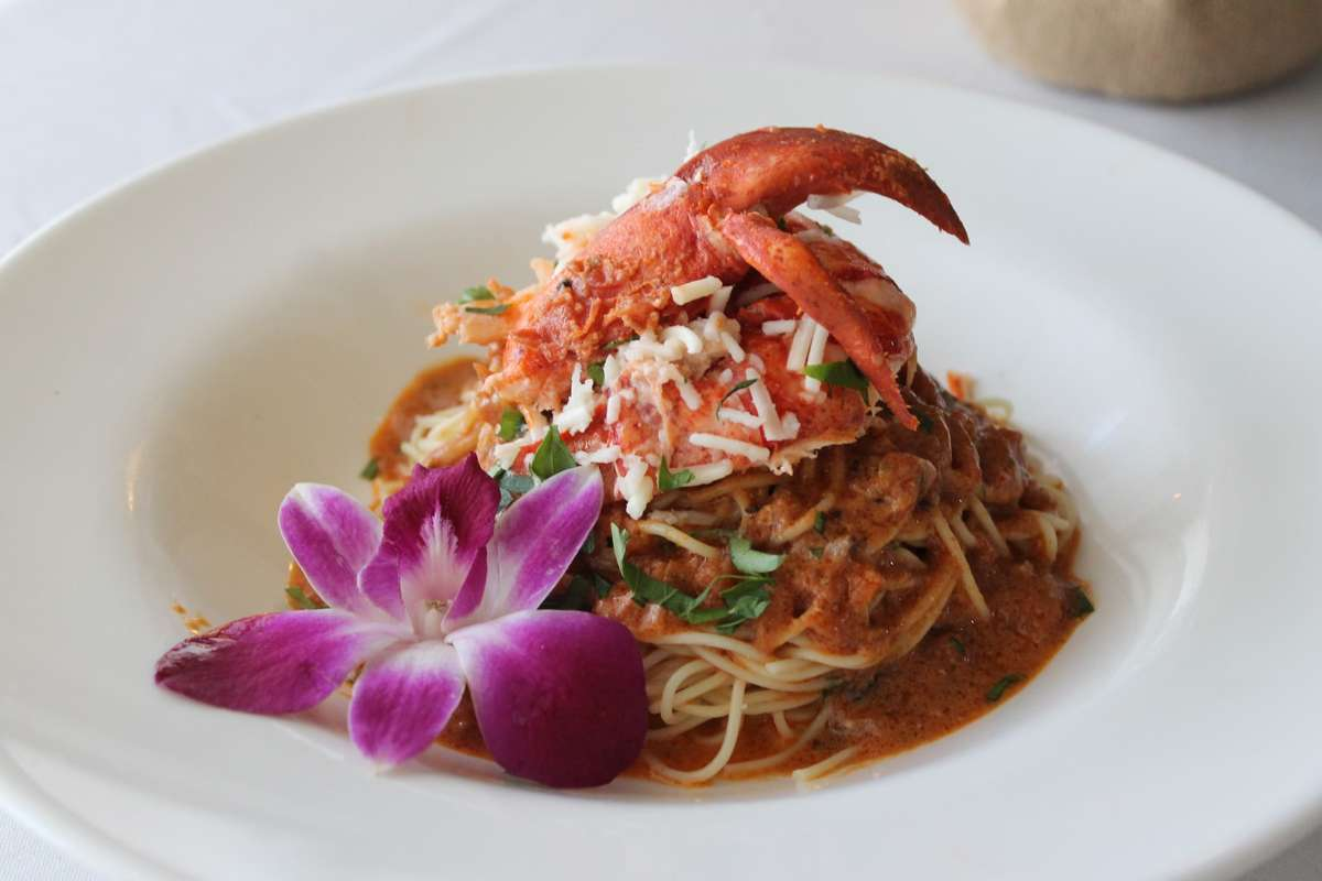 HEAVENLY- BUTTER POACHED MAINE LOBSTER MEAT