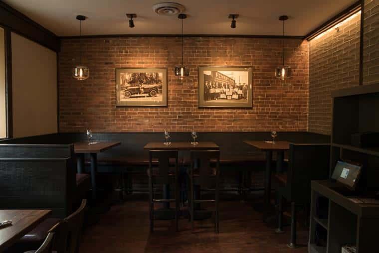 Oak Barrel Tavern dining room