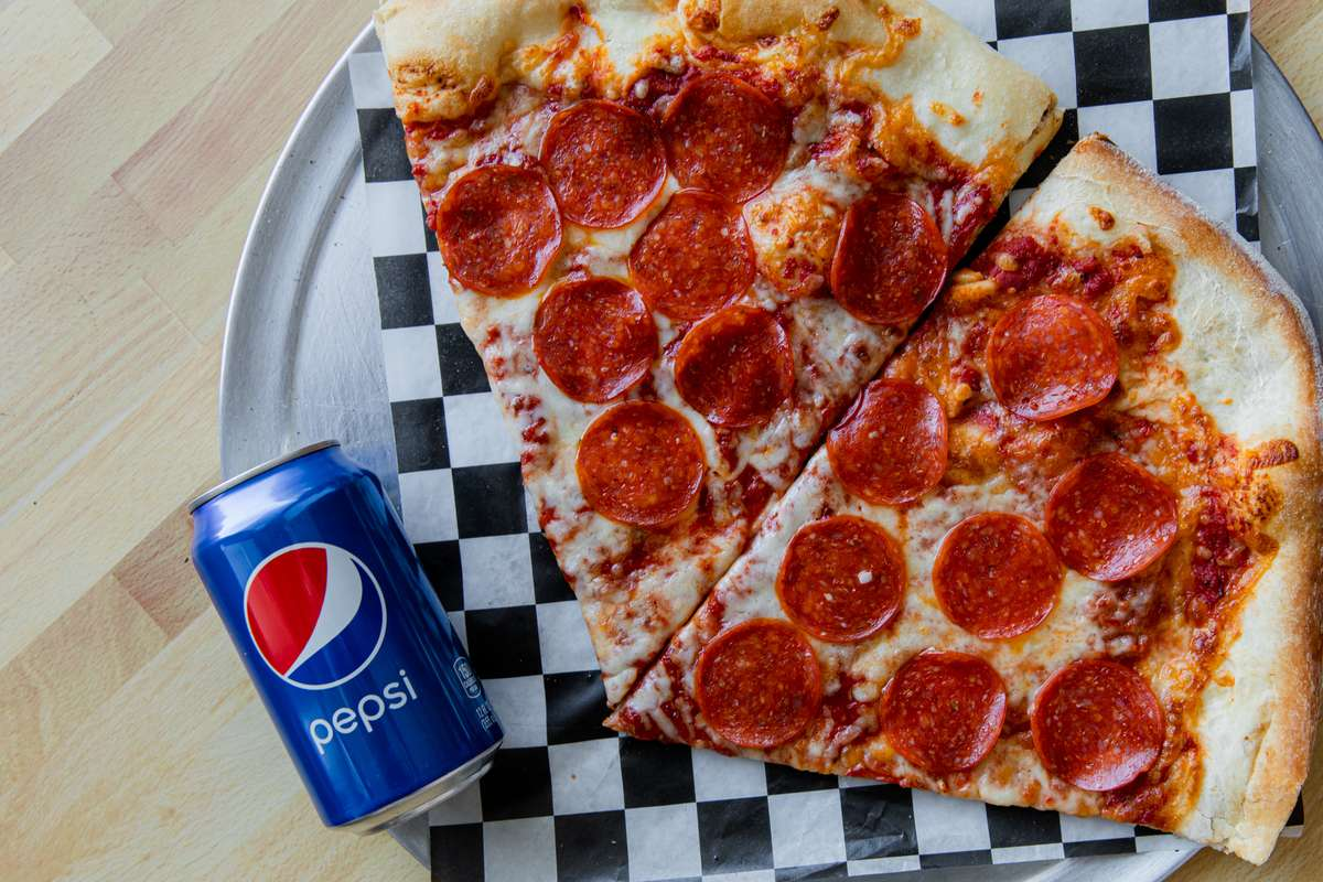 Two Slices of 1 Topping Pizza & Can of Pop