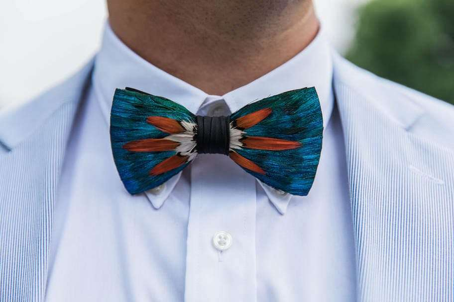 groom's bow