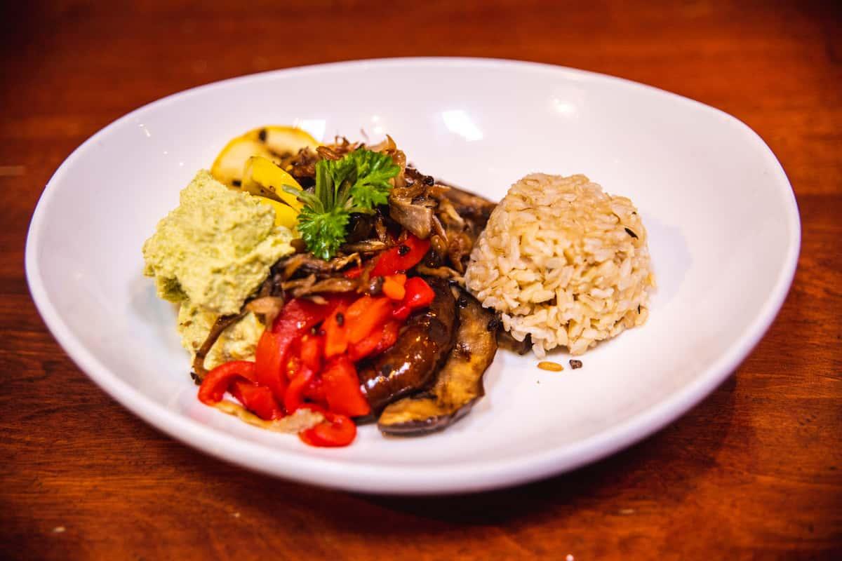 Edamame Hummus & Grilled Vegetable Plate