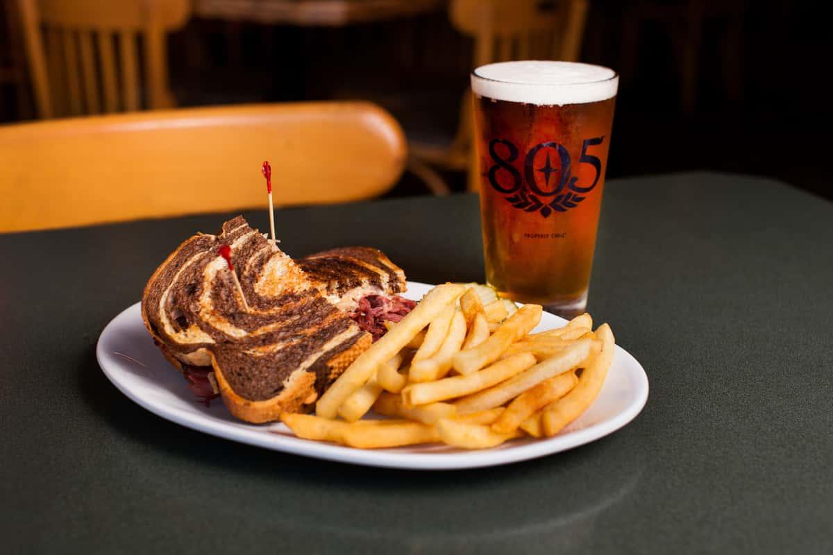 Sandwich Fries & Beer