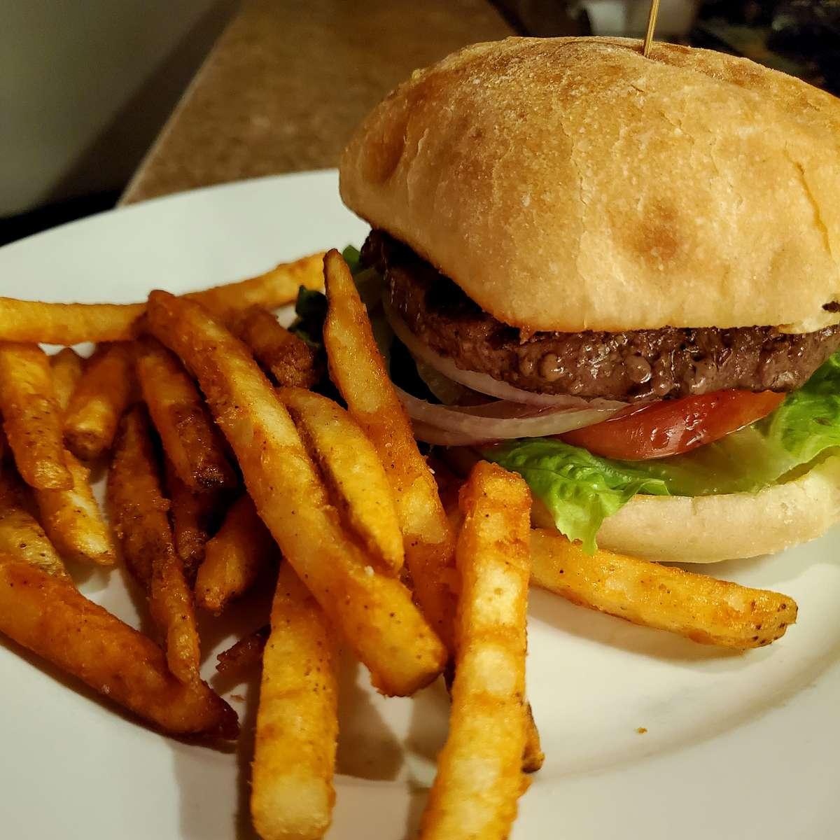 Deluxe Burger*