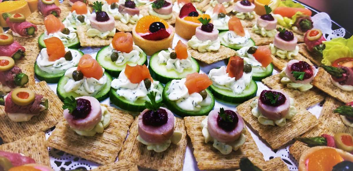 Deluxe Cold Canapés