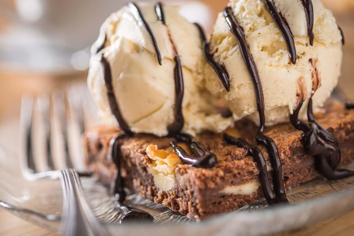 dessert blondie