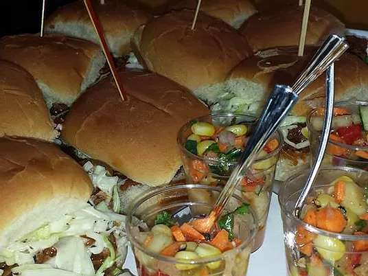 sliders and vegetables