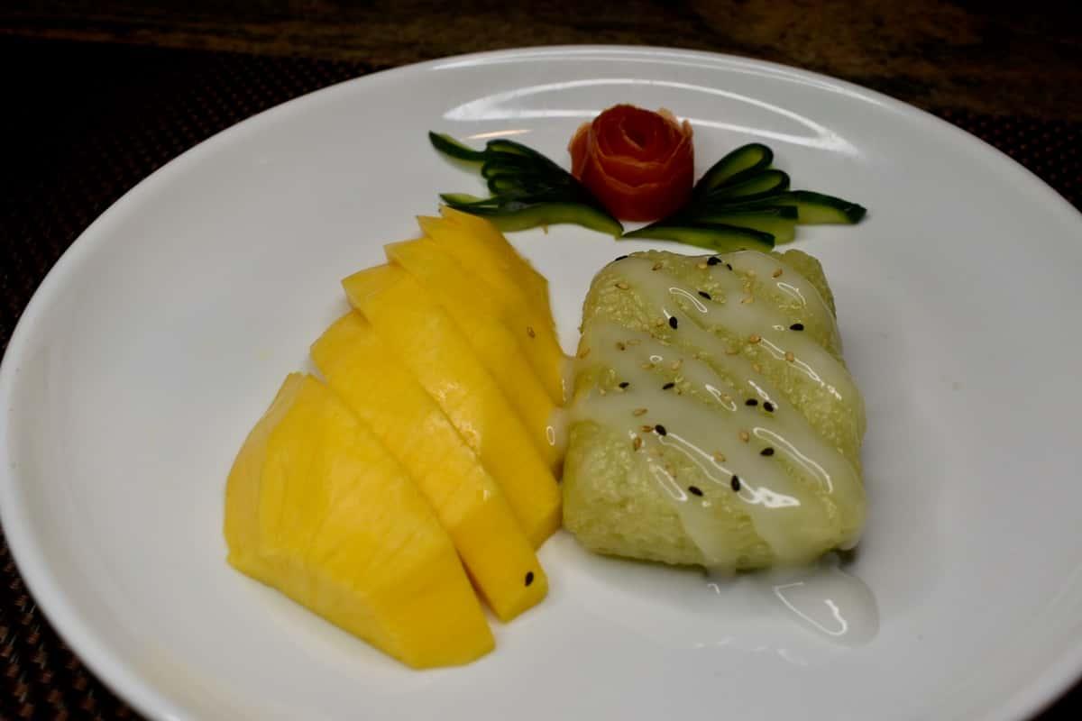 Mango and Sweet Rice (Seasonal)