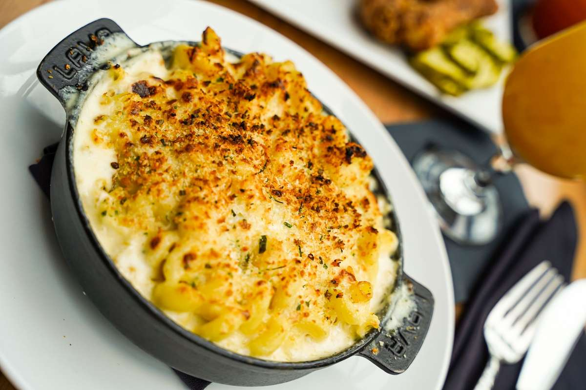 Cast Iron Baked Mac N Cheese