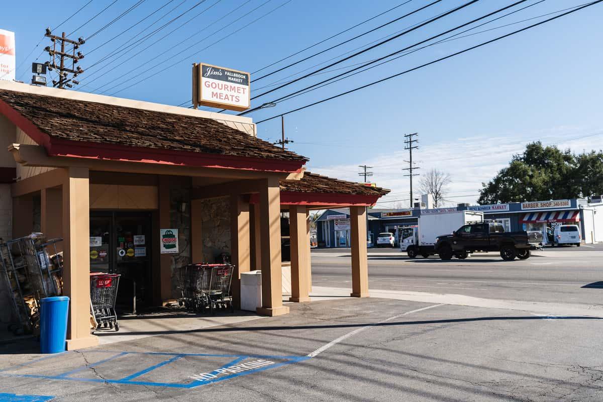 Jim's Fallbrook Market exterior