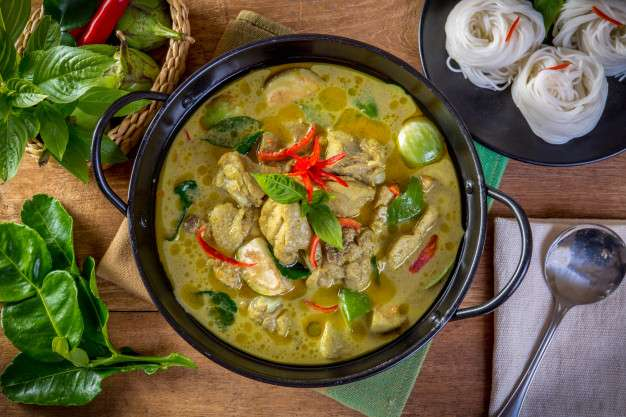 Noodle in Green Curry