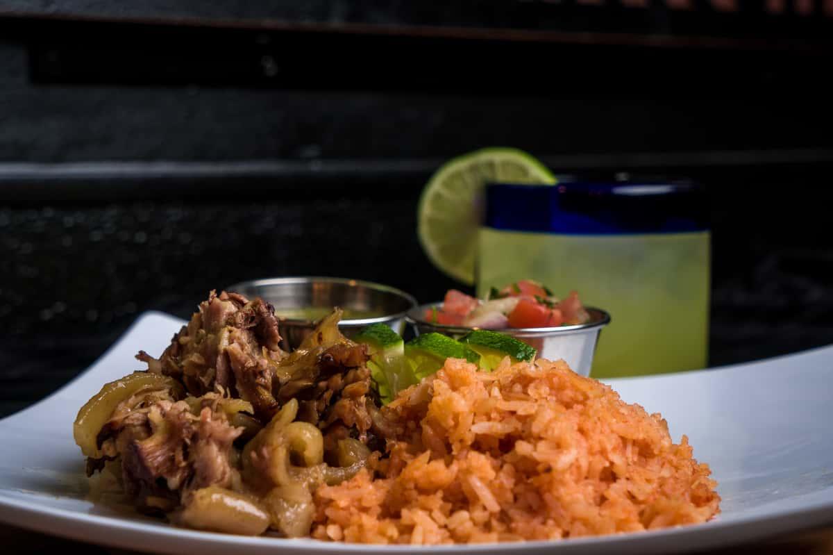 Los Agaves Carnitas Taco platter