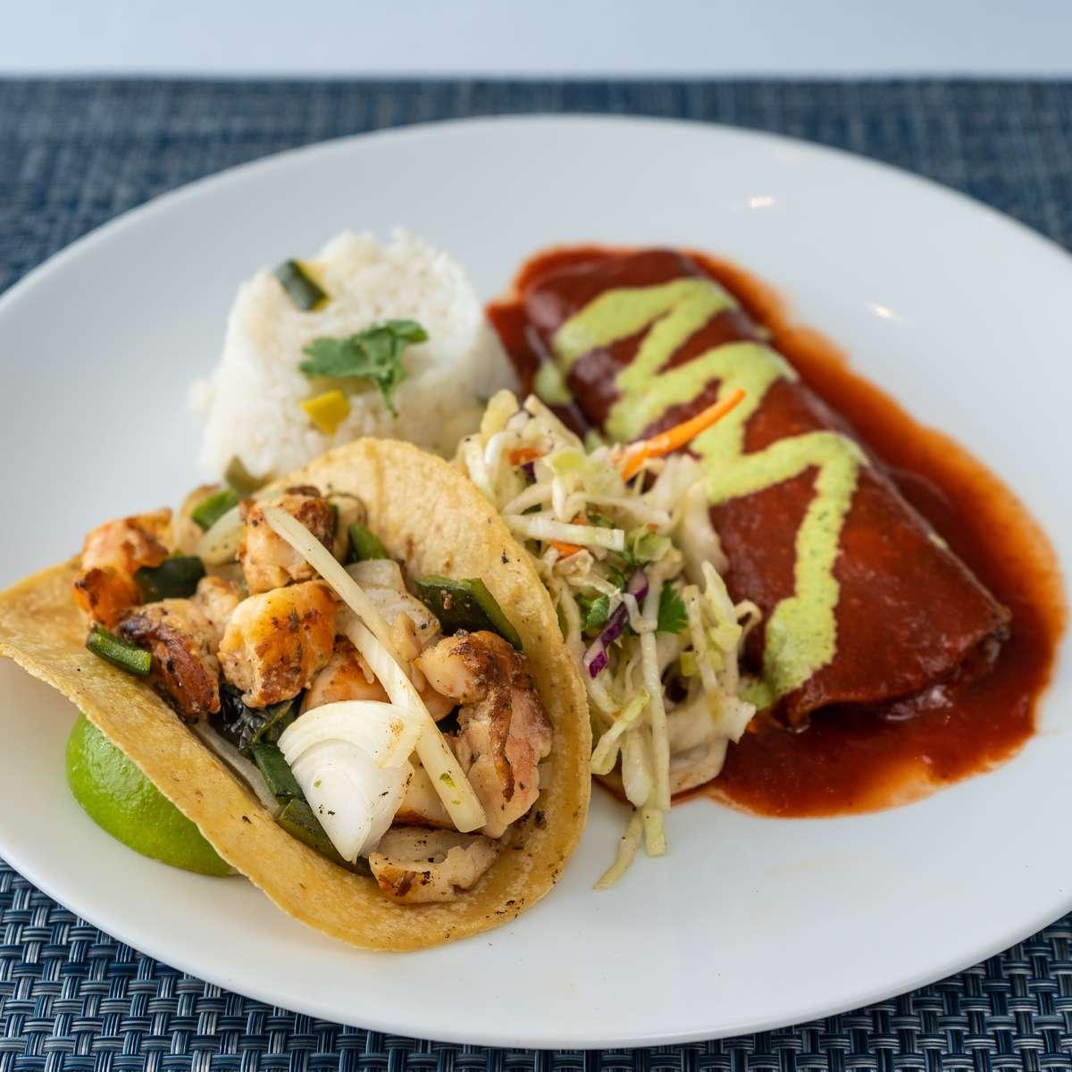 3. roja enchilada, camarón taco, mesero slaw, arroz blanco