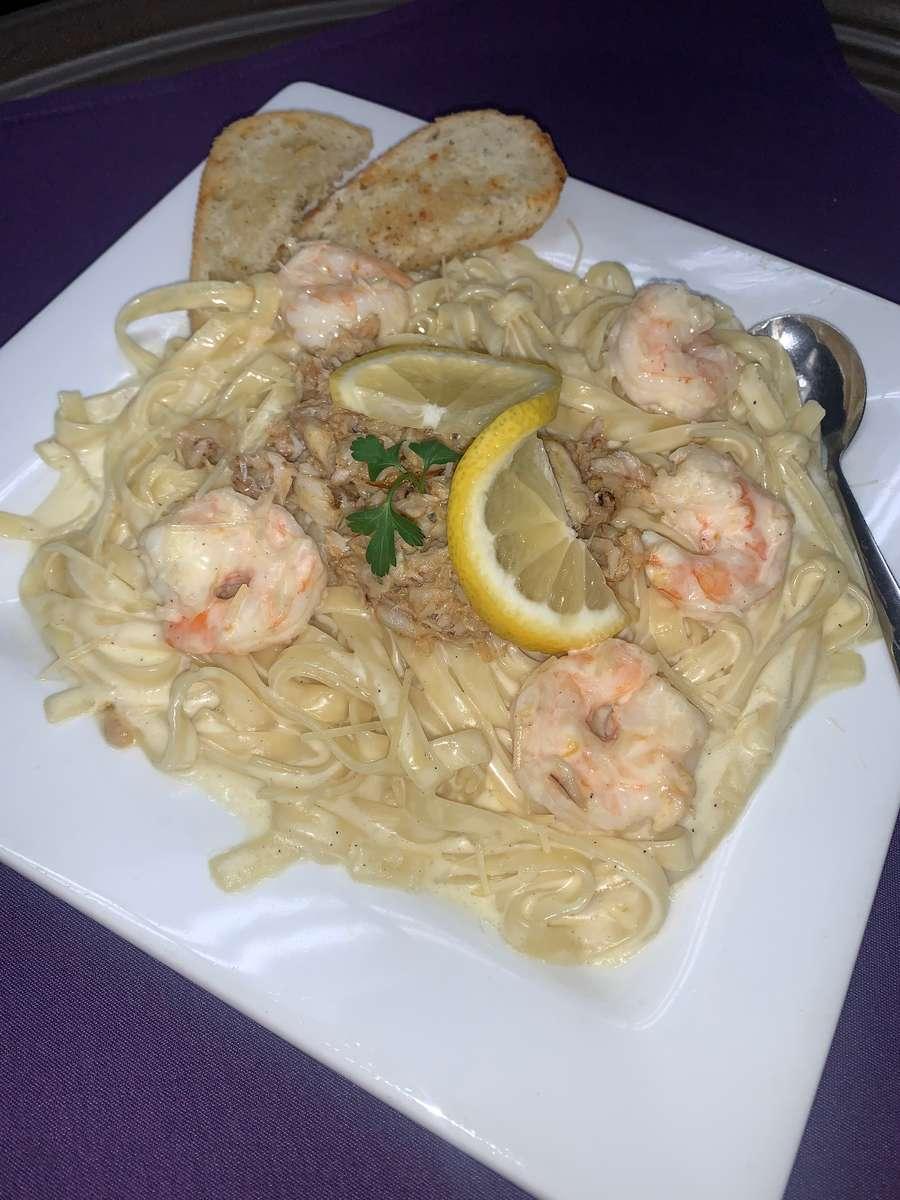 Crab and Shrimp Linguine