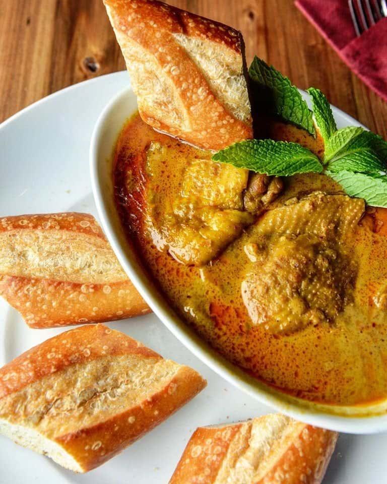 Traditional Chicken Curry - Bánh Mì Cà-Ri Gà