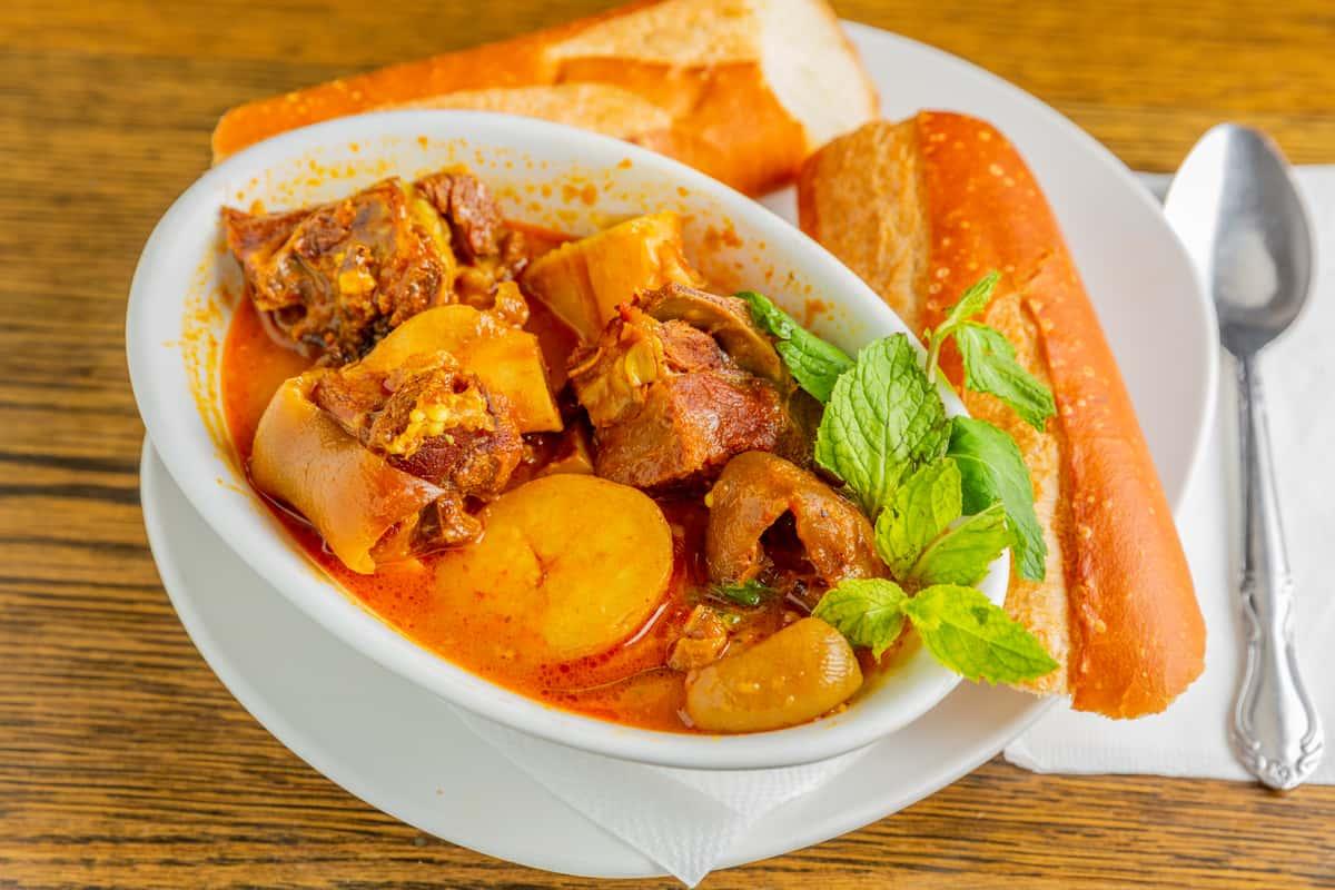 Spicy Goat Curry - Bánh Mì Cà-Ri Dê