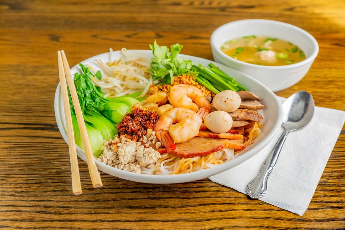 Dry Egg Noodles - Mì Khô / Hủ Tiếu Khô Đặc Biệt