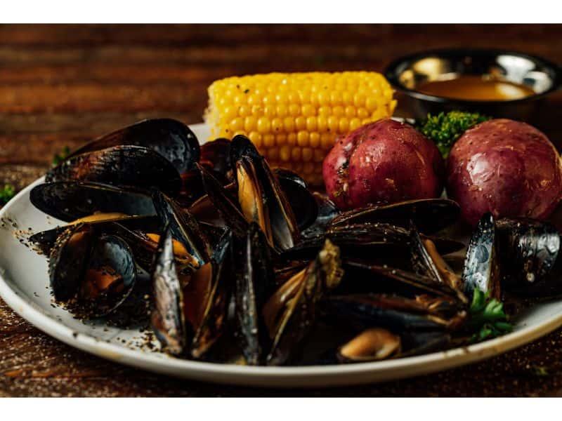 1/2 lb. Mussels