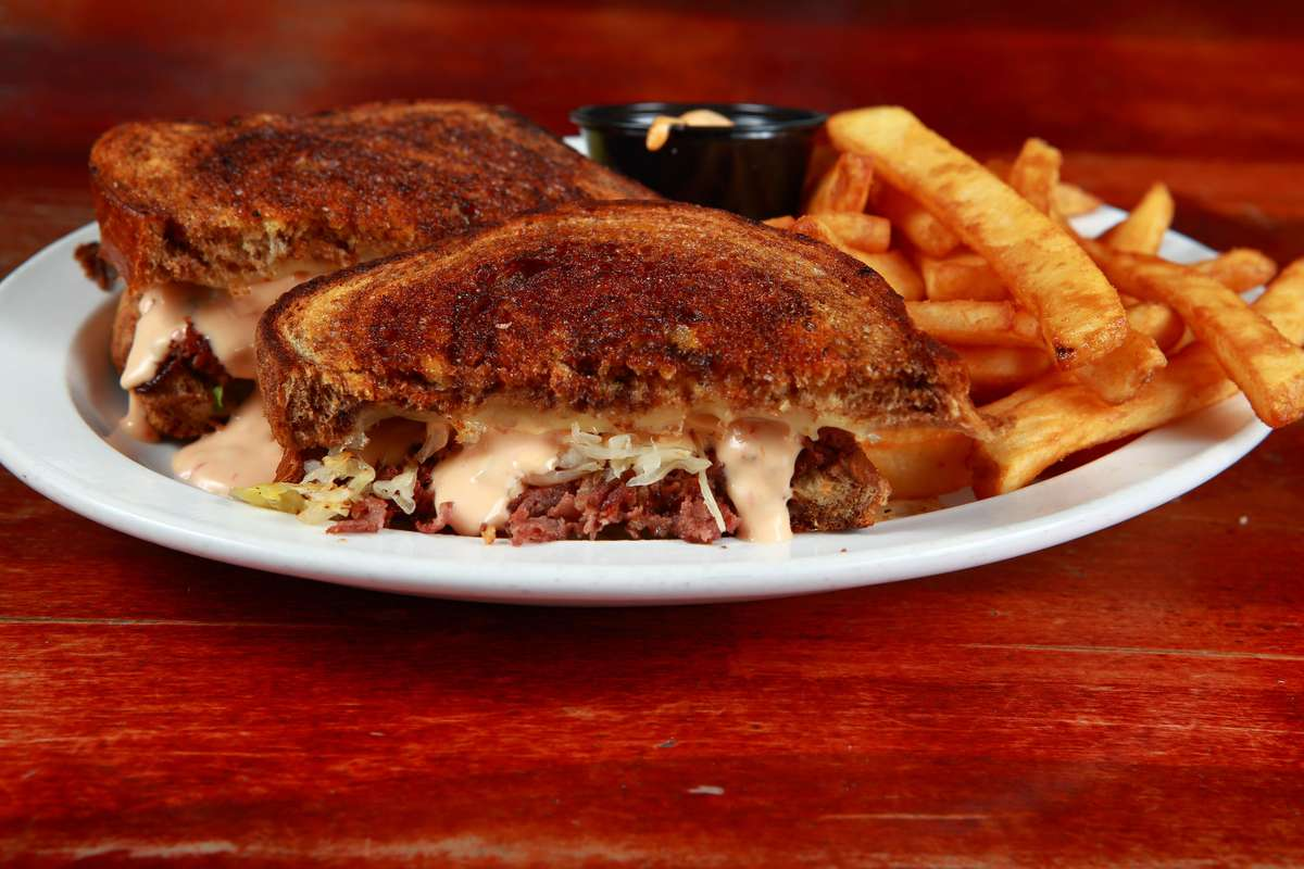 Reuben (Corned Beef or Turkey)