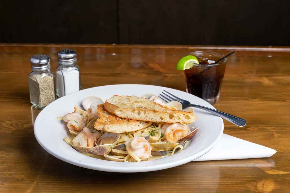 *Shrimp and Clam Linguini