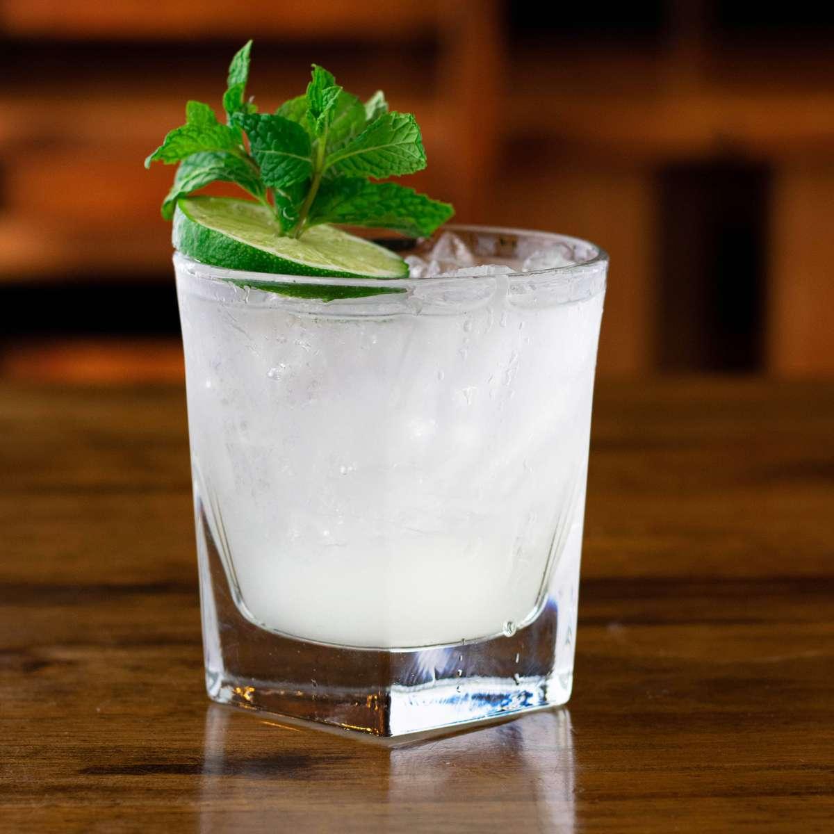 Classic Mint & Lime Rum Mojito