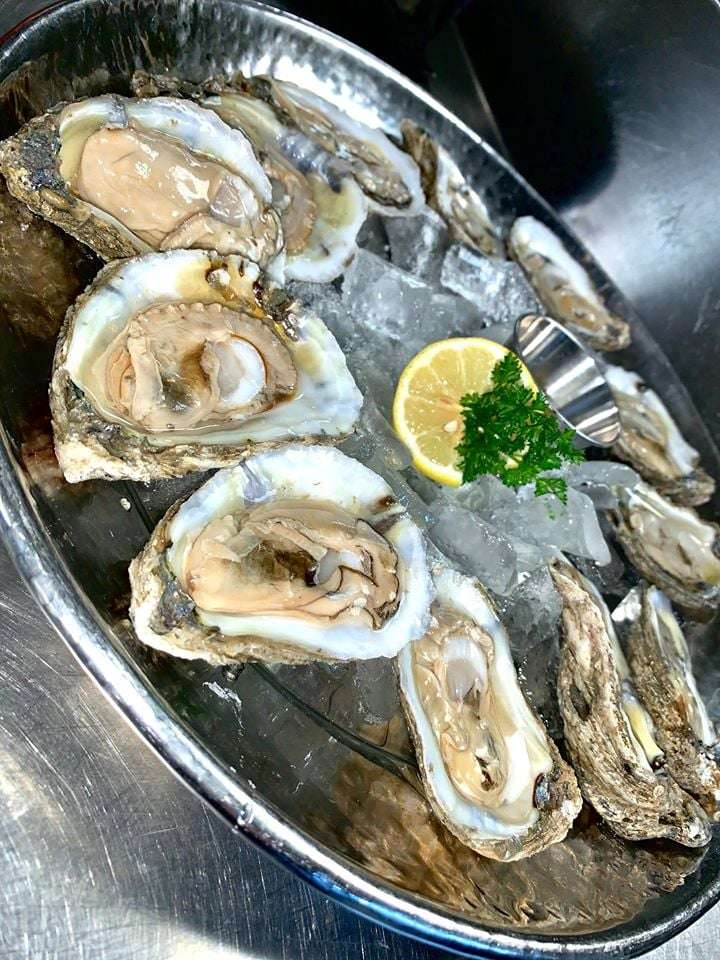 Freshly Shucked Oysters*