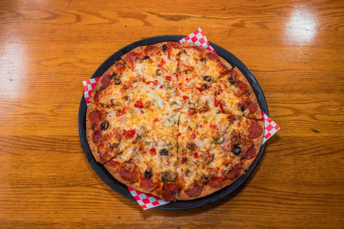 diver's deluxe pizza