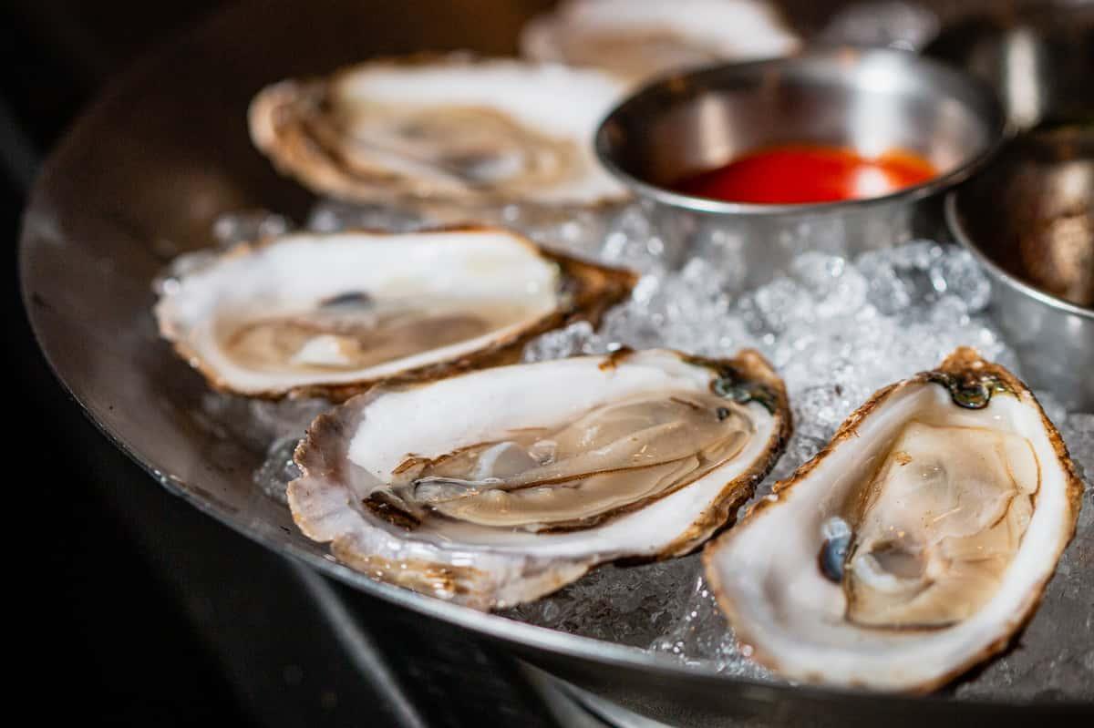 Seasonal Oysters*