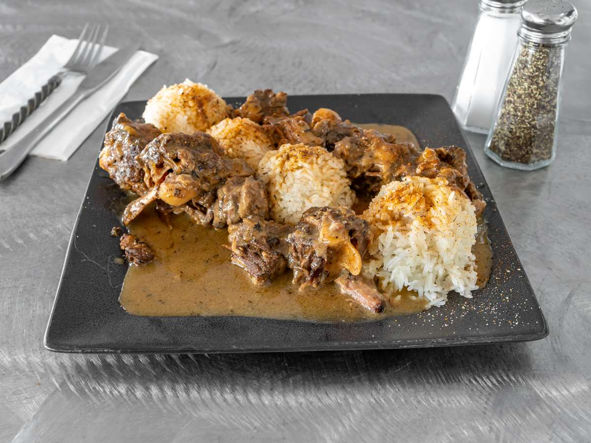 L.O.V.E.......Smoked Oxtails and Gravy