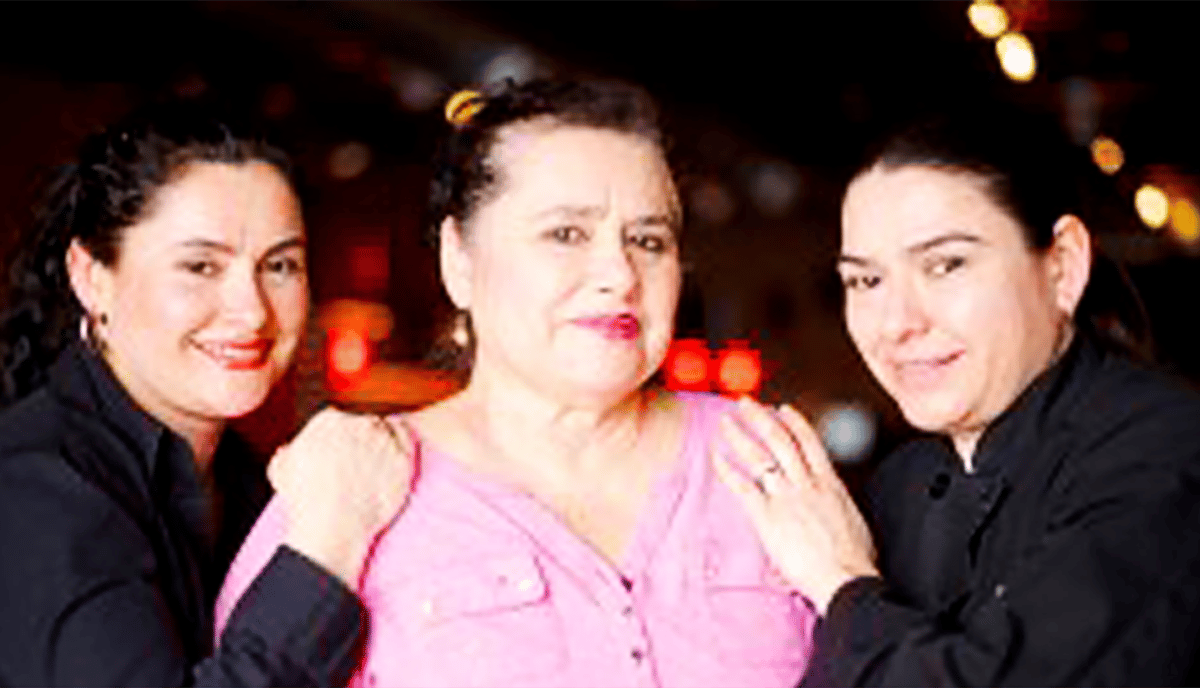 mom and sisters