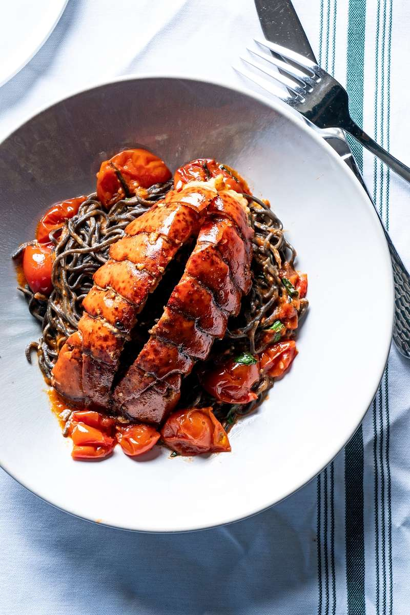 Squid Ink Spagheti Lobster