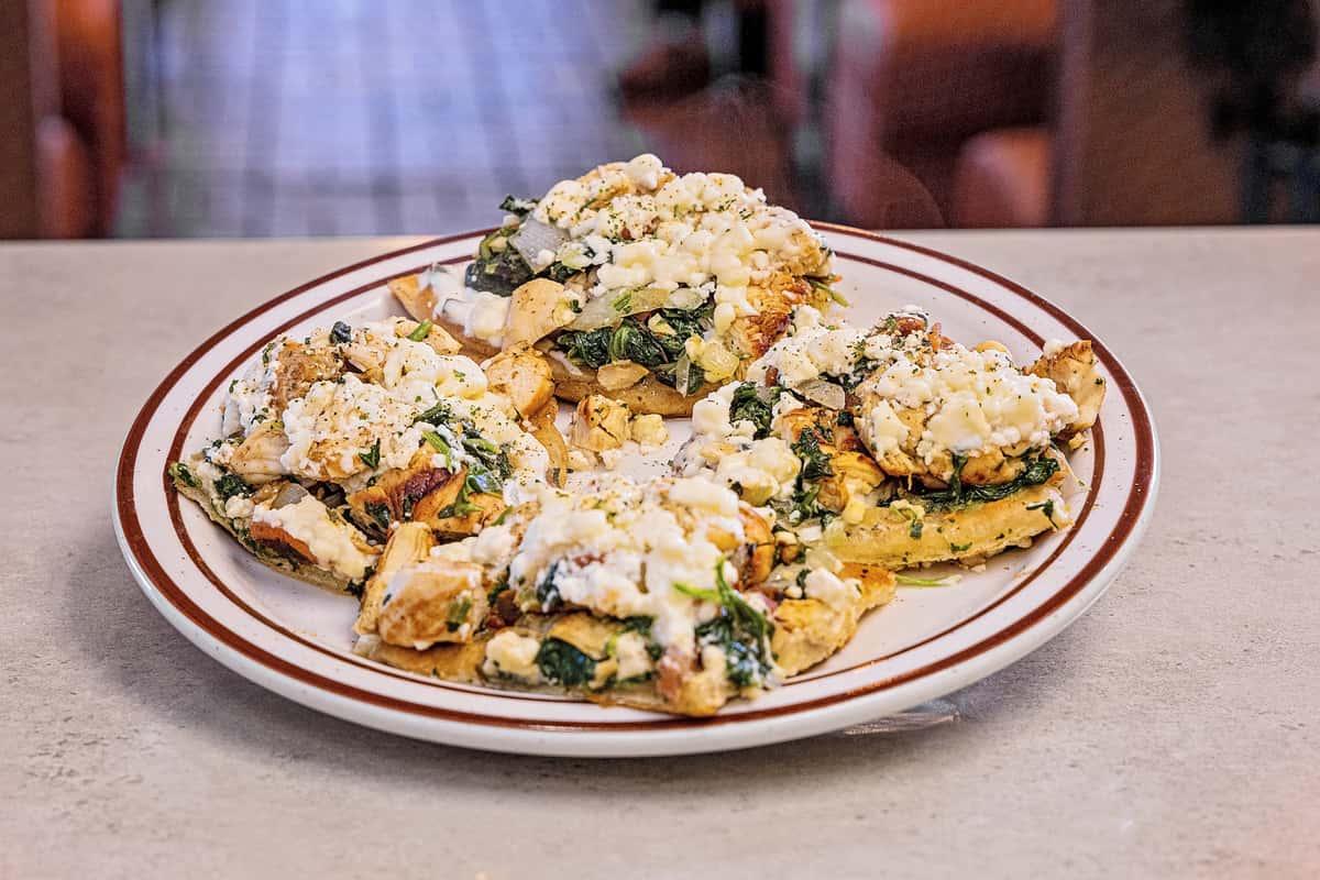 Settler's Greek Chicken Flatbread
