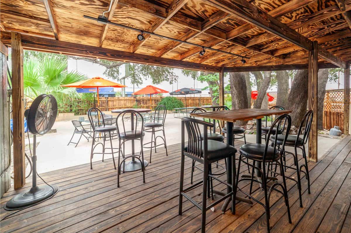 Exterior seating of Oak Hills Tavern