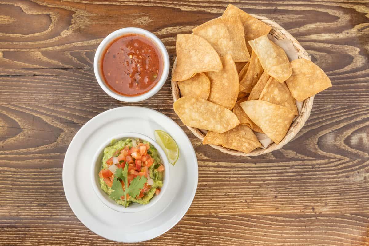 Fresh Guacamole, Chips & Salsa (VG) (GF)
